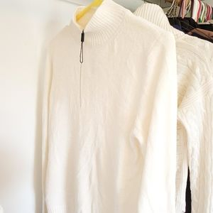 Sweater / long sleeve shirt